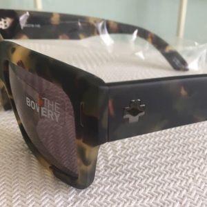 c4f2e44b2637c SPY Accessories - NWT Spy Sunglasses Bowery matte army Tort NEW